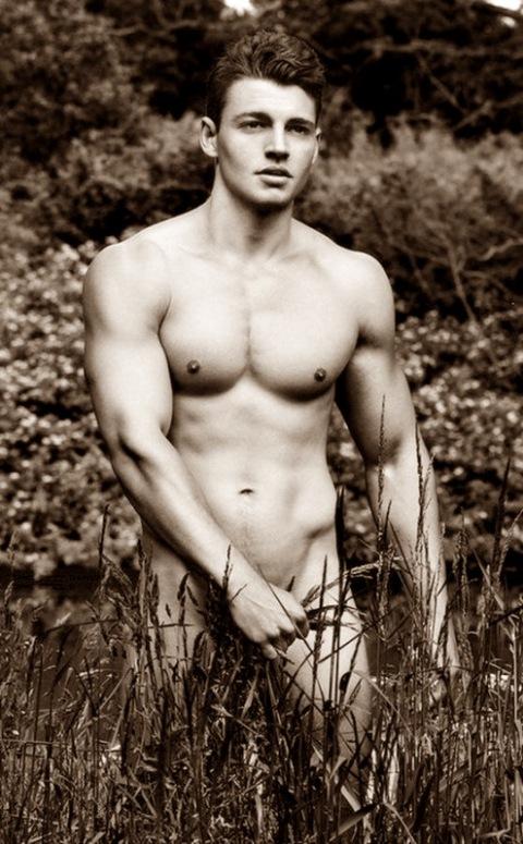 Calendario-Hombres-Desnudos-Remeros-Club-Warwick-2015-Burbujas-De-Deseo-012-495x800
